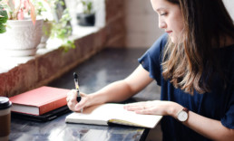 25 Journal Prompts for Self-Reflection